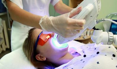 Отбеливание зубов «ЭстетСмайл» в клинике лазерной медицины и косметологии «Эстет Центр»