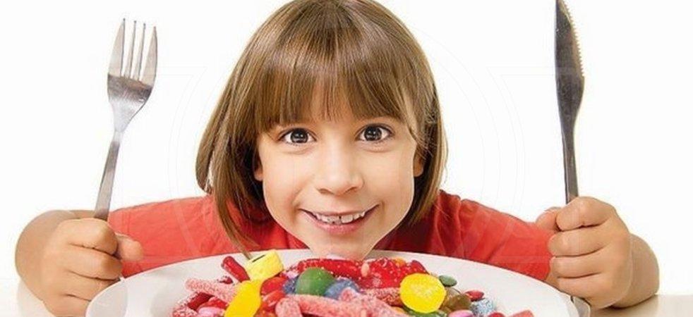 Как сахар влияет на детские зубы