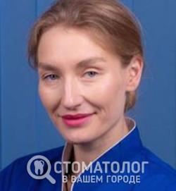 Лещук (Петюх) Елена Александровна