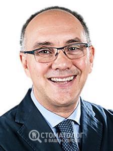 Роберто Росси